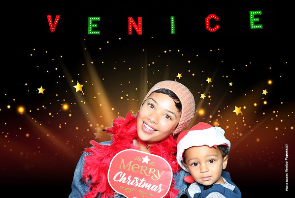 2019 Venice Sign Holiday Lighting Photo Booth