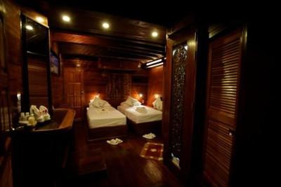 Oriental Siren Liveaboard - Thailand's Most Luxurious Liveaboard