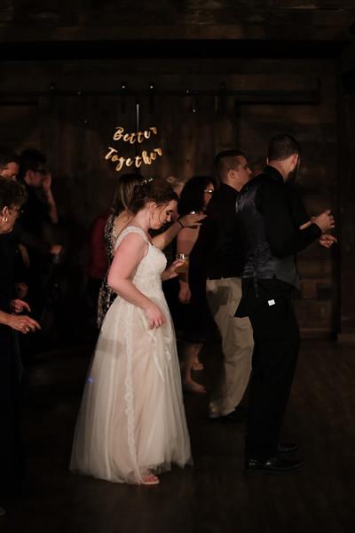 rustic_ohio__fall_barn_wedding-489.jpg