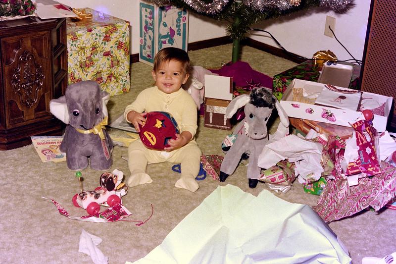 1975-12-25 #4 Anthony's 1st Christmas.jpg