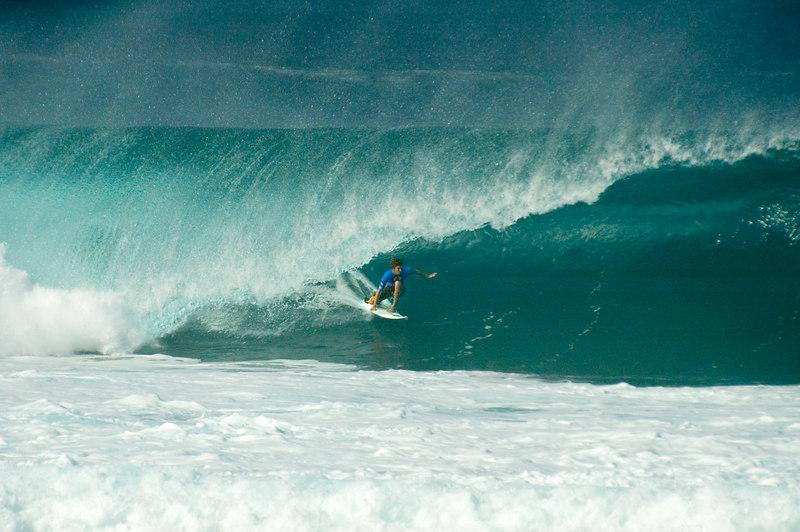 Tube,surfer,pipe.jpg