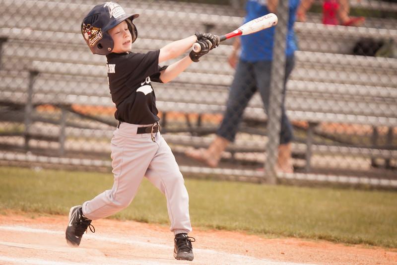 Younger Baseball-17.jpg
