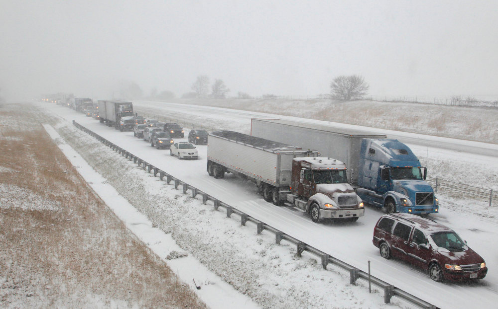 . Traffic in the southbound lane of Interstate 65 is backed up following an accident at the 178 mile marker Wednesday, Dec. 26, 2012, near West Lafayette, Ind. (AP Photo/Journal & Courier, John Terhune)