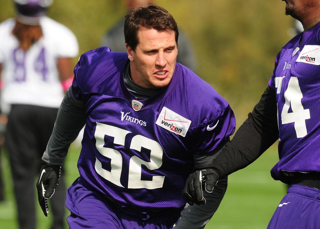 . Vikings linebacker Chad Greenway runs a drill during Vikings practice.  (Pioneer Press: Scott Takushi)