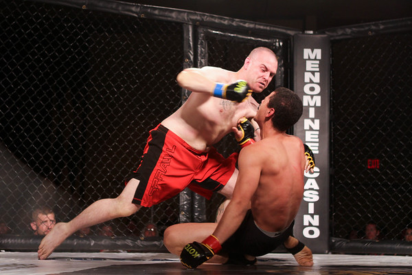 Justin Echols  vs Mike  Sixel