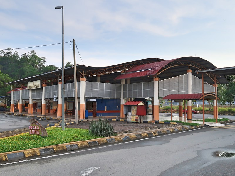 IMG_5164-bus-station.jpg