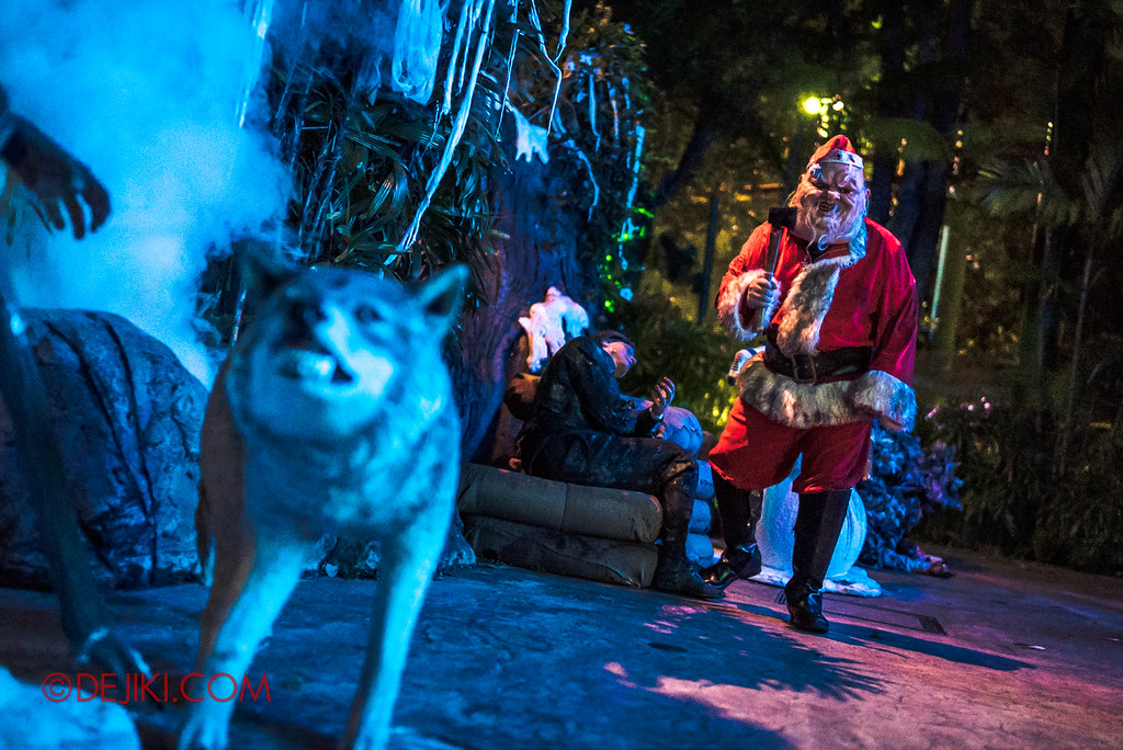 Halloween Horror Nights 7 - Happy Horror Days scare zone / Santa distance