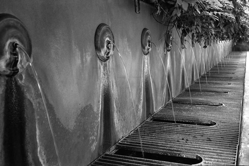 Fountain at University of Oklahoma  Canonet GIII QL17