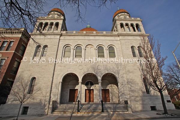 USA, Maryland, Baltimore. Temple Oheb Shalom (built 1891); Masonic Lodge (since 1960). (2.2012)
