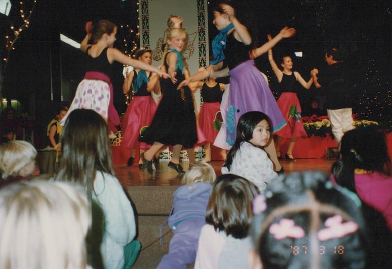 Dance_1414.jpg