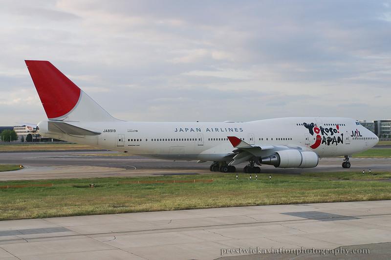 JA8919. Boeing 747-446. JAL. Heathrow. 130605.
