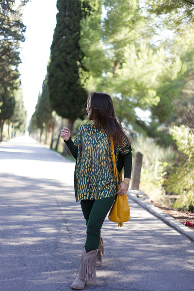 07_GREEN_LOOK_FOR_AUTUMN_WITH_RÜGA_FASHION_BLOGGER_THEGUESTGIRL.jpg