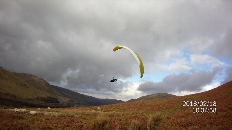 Dave Buxton trying to land in lifty air