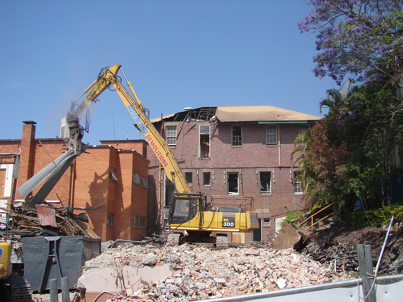 Chaplin Building demolition 001.jpg