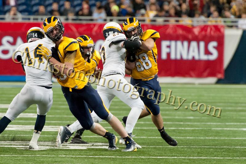 2014 Clarkston Varsity Football vs. Saline 628.jpg