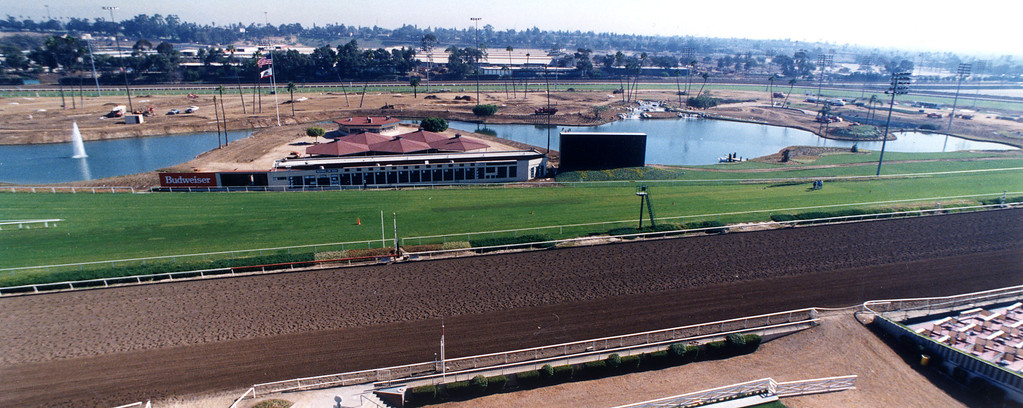 . The interior of Hollywood Park has two lakes.   11/12/91  (Los Angeles Daily News file photo)