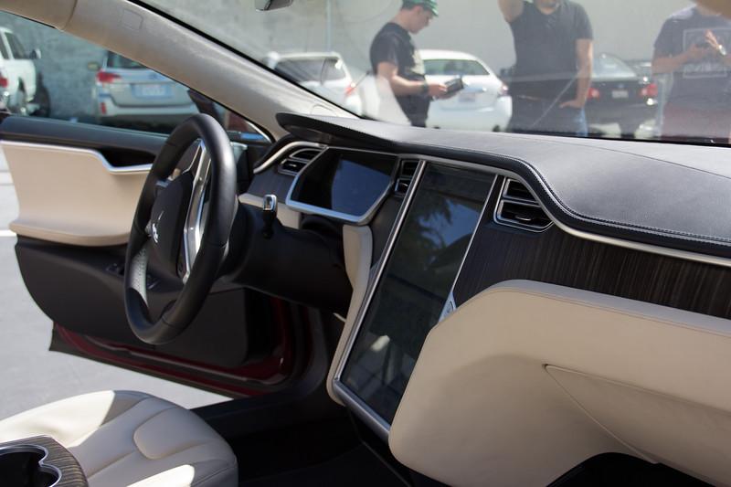 Model S - Interior 2.jpg
