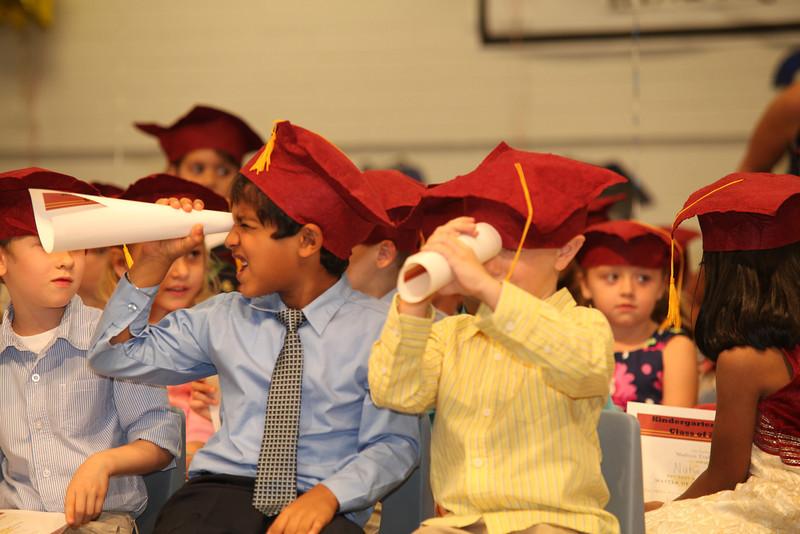 2012May18_MTA Kinder Grad_9729.JPG