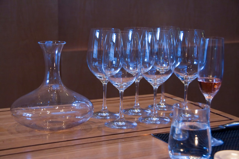 they use spiegelau stemware.  they also decanted our red which was nice.
