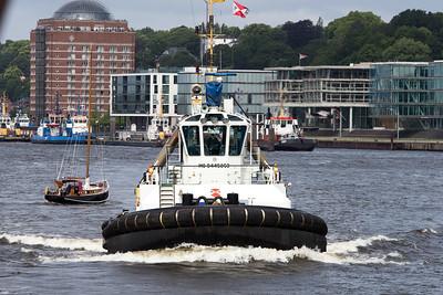 2013 06 30 Cosco FRANCE im Hamburger Hafen Containerschiff
