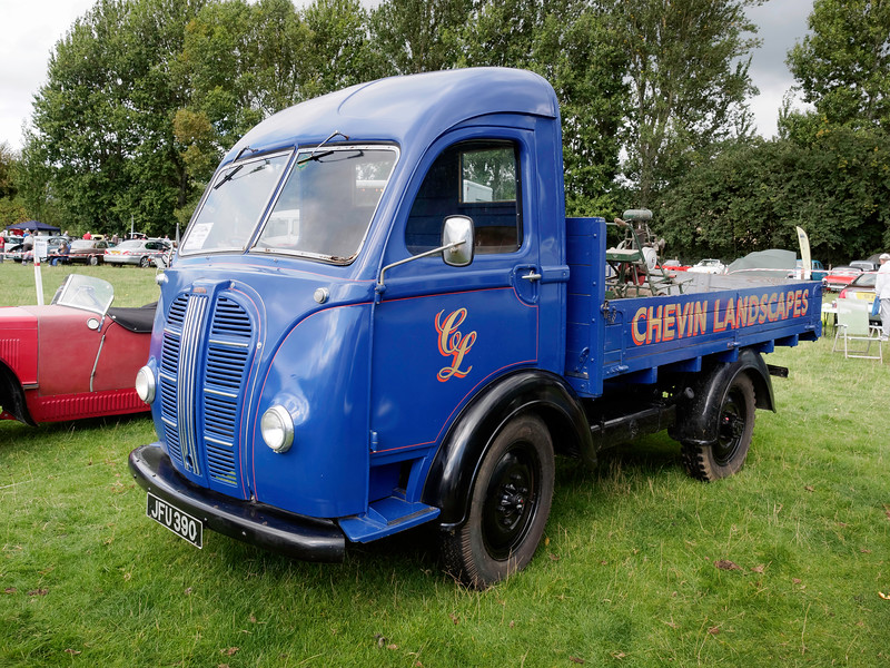 1952 Austin K8