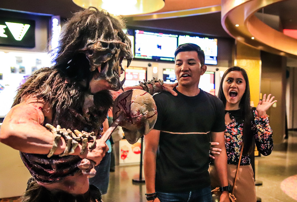 Universal Studios Singapore Halloween Horror Nights 8 / Scare Actor Appearances Cannibal Chief