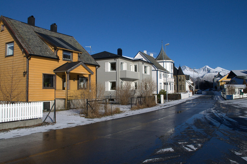 andalsnes houses.jpg