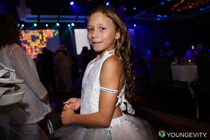 08-19-2017 Glow Party ZG0140.jpg