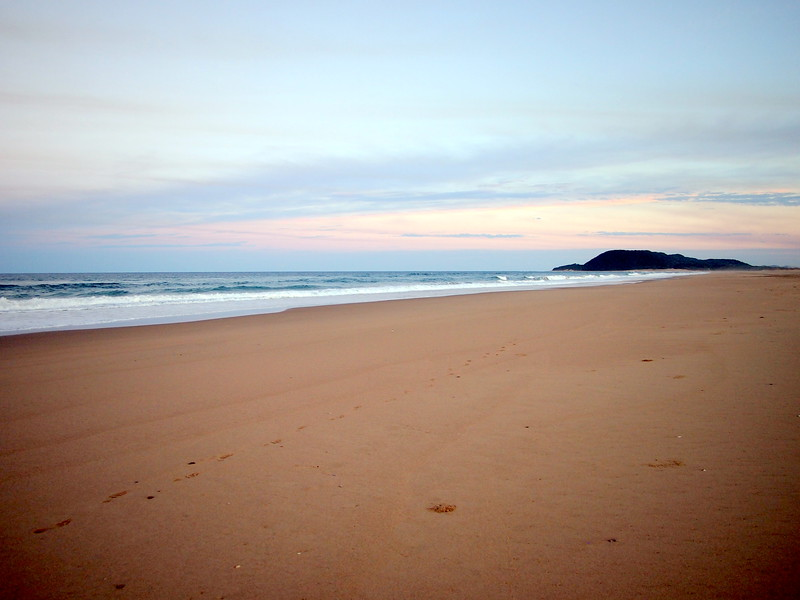 P5036174-beach.JPG