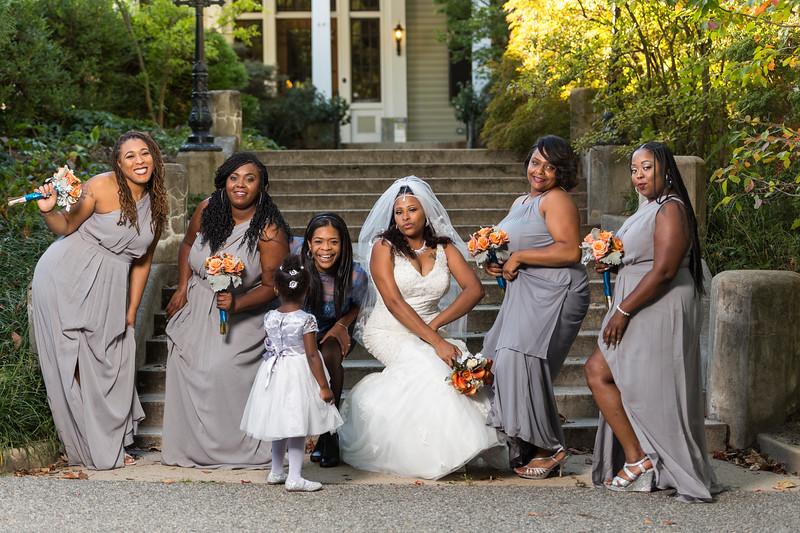 Bride+Bridesmaids-4.jpg