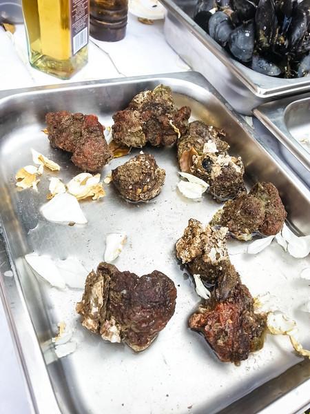 mussels in pan.jpg