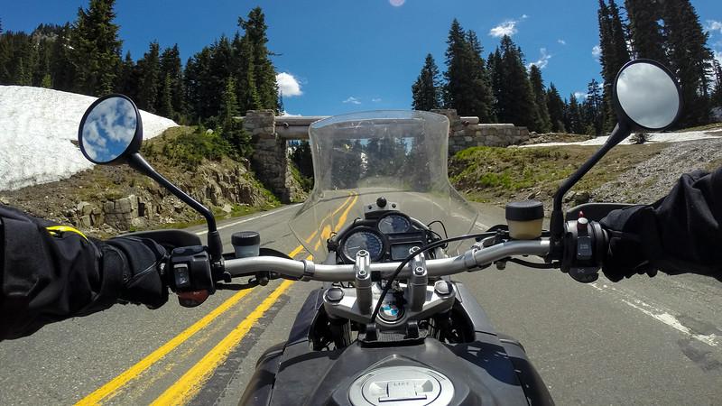 Cockpit view, Chinook Pass