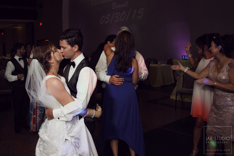 31-romantic-reception-jarstudio-photography.JPG