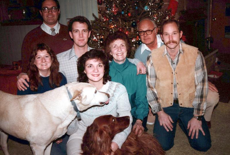 Don, Kris, Viv, Doc, Mike Hillier, Cathy, Teri, Gabe dog and Candy dog.jpeg