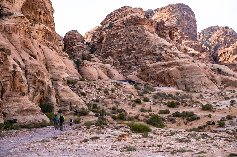 2018_Jordan_Hike Little Petra to Monastery_genevieve hathaway-1.JPG