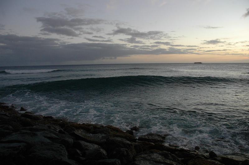 Hawaii - Ala Moana Beach Sunset-180.JPG