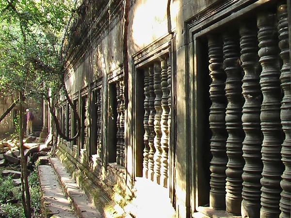 Beng Mealea - Lotus Pond Temple (December 18, 2004)