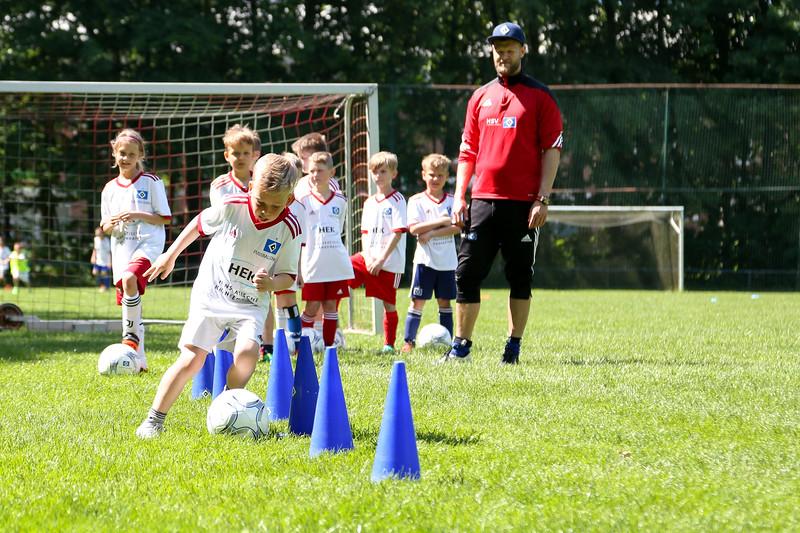 hsv_fussballschule-403_48048025782_o.jpg