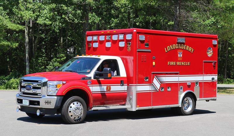 Ambulance 3   2016 Ford F-450 / AEV