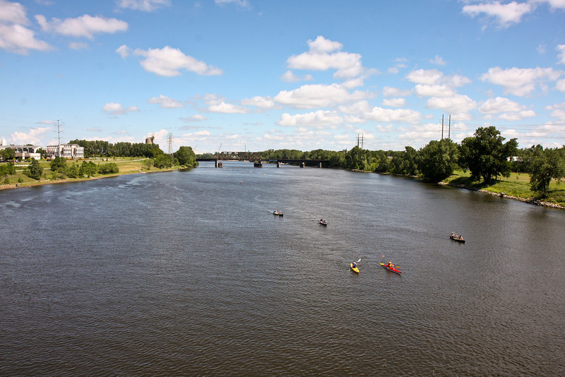 The Broadway Avenue bridge provided an awesome view of the river as paddlers approached Bassett Creek Park, where volunteers from Aveda corporate headquarters would be serving lunch!