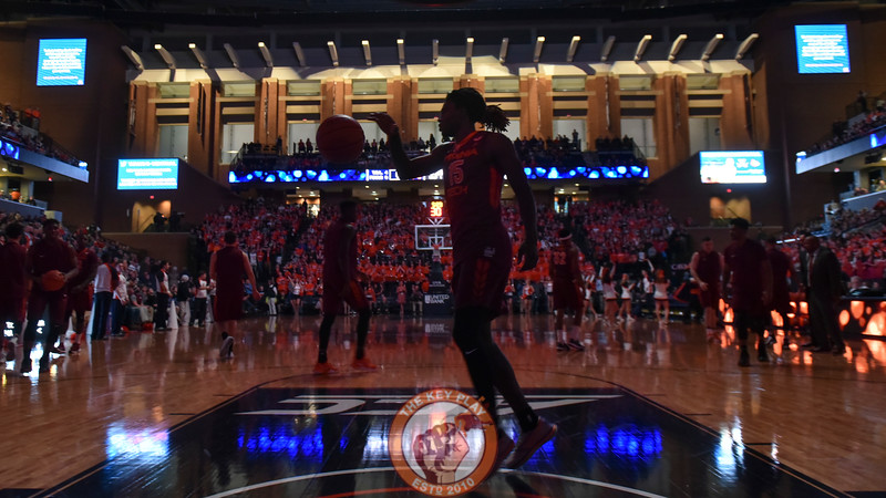 Virginia Tech Hokies guard/forward Chris Clarke (15) warms up prior to the game. (Michael Shroyer/ TheKeyPlay.com)