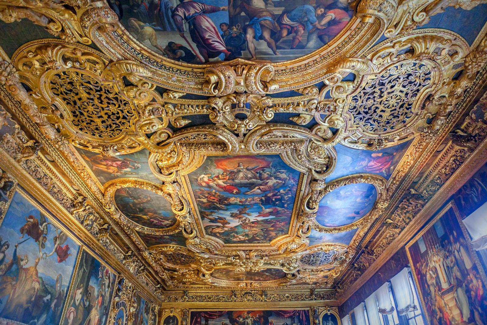 威尼斯聖馬可大教堂(St Mark's Basilica), 精雕細琢的頂設