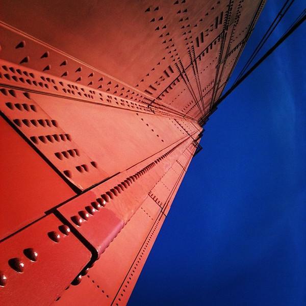 Walking_on_the_Golden_Gate_Bridge._Magnificent_beauty___RJcrossingUS__latergram.jpg