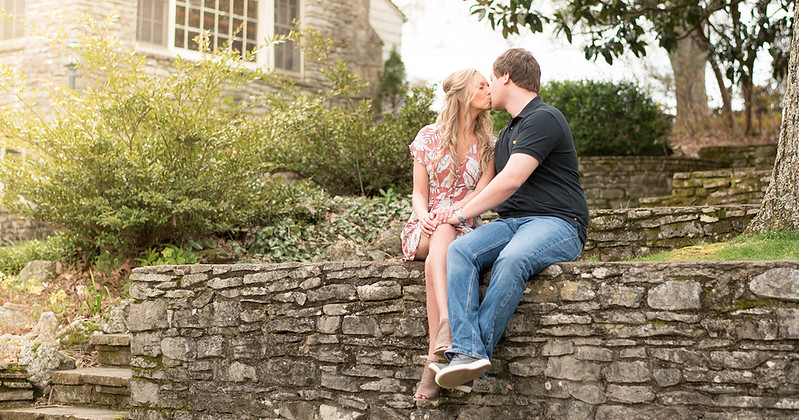 cover-Knoxville-Engagement-photographers.jpg