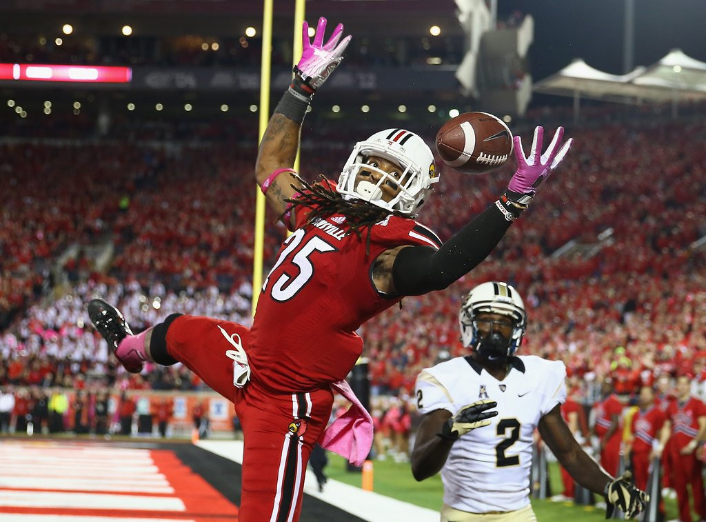 . <p><b>16. Dallas: Calvin Pryor, S, Louisville. </b> <p>The Cowboys\' inept pass defense in 2013 must have made former coach and defensive back Tom Landry roll over in his grave. Pryor certainly could help.    (Photo by Andy Lyons/Getty Images)