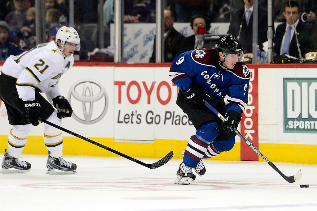 . DENVER, CO. - FEBRUARY 4: Matt Duchene (9) of the Colorado Avalanche makes a desperation run with fewer than 10 seconds to play as Loui Eriksson (21) of the Dallas Stars defends during the third period of Dallas\'s 3-2 win. Colorado Avalanche versus the Dallas Stars at the Pepsi Center on February 4, 2012. (Photo By AAron Ontiveroz/The Denver Post)