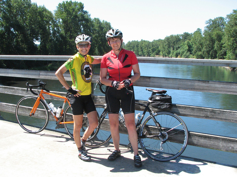 There's a great bike trail system along both sides of the Willamette. (Susan Gishi, Deb Ford)