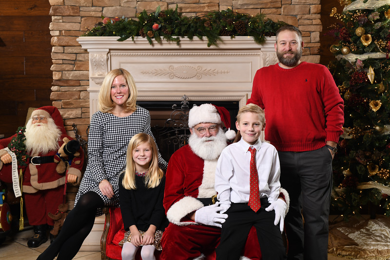 Santa2018.TylerBoye.-65.jpg
