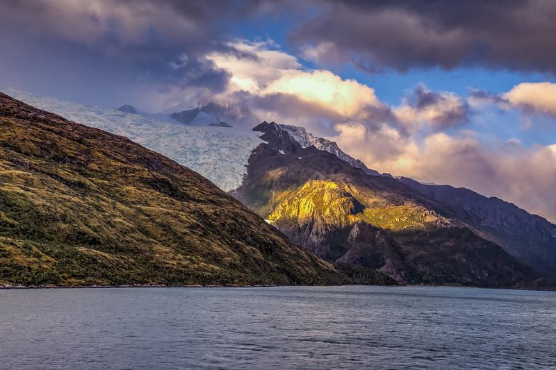 Patagonia 2018-03100_1_2hdr.jpg