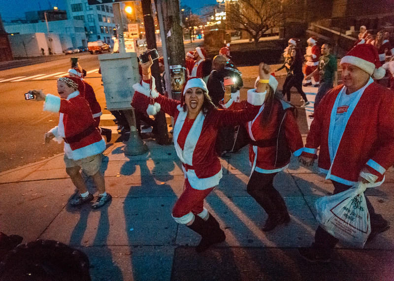 Running with Santa Philadelphia 12-12-2015-3403.jpg
